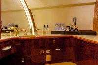 CL 850 8068 lavatory view